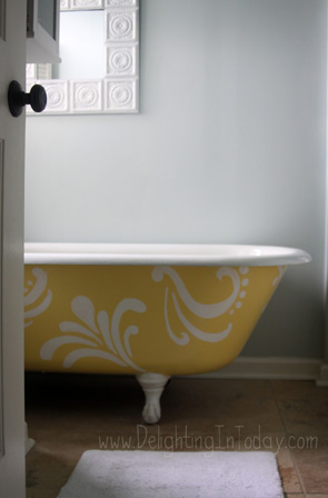 Clawfoot-Bathtub-Painted