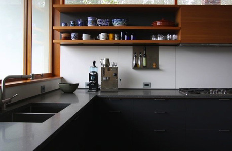 Soapstone-Counters-Henrybuilt-Kitchen