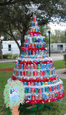 CHRISTMAS-TREE-MADE-OF-SODA-CANS